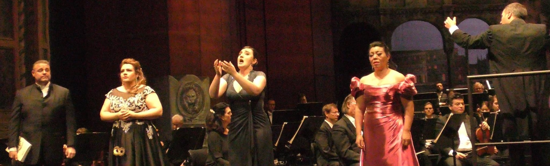 On stage with fellow soloists in La Gioconda, Deustche Oper Berlin, 2020, (photo credit: Helmut Fischer)